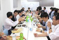 月に一度社員全員でランチを食べるイベント『ハッピーランチ』♪